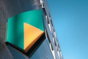 AFM-boetes van 4 en 5 ton voor ABN Amro voor niet tijdig melden transacties