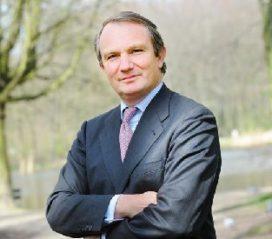 Aegon-baas: 'Alleen nog plek voor tussenpersoon bij schade en vermogen boven € 1 miljoen'