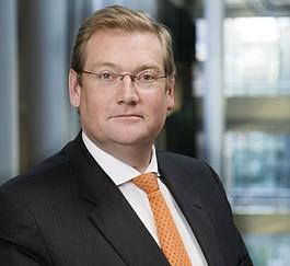 Van der Steur: 'Verzekeraars moeten zich omtrent contra-expertise aan de wet houden'