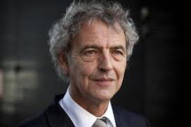 Roger van Boxtel: 'Er tikken tijdbommen onder het ziektekostenstelsel'