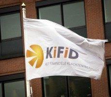 Kifid: 'Vermogensbeheer door tussenpersoon zonder vergunning, bank moet helft schade aan consument vergoeden'