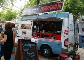 Veel steun op crowdfundingsite doorgaan.nl voor worstenverkoper die foodtruck zag uitbranden