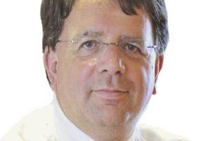 Peter Risseeuw wil weten hoe u over het provisieverbod denkt