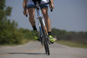 Fitness-app Strava gaat smartphone verzekeren tegen schade bij wielerongelukken