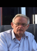 Ex-Showmaster Willem Bol kiezel in schoen Generali
