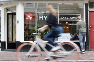 Hypotheek24.nl bedient de millennial en opent 'Hypo TakeAway-koffiebar'