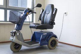 Hendrik Groen in de bocht: zorgen om scootmobiel