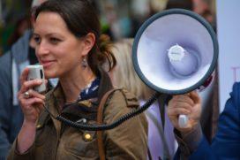 400 medewerkers De Friesland protesteren tegen fusie met Achmea