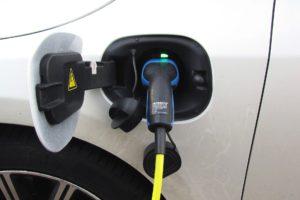 Achmea stapt in onderzoek naar autonome elektrische auto's
