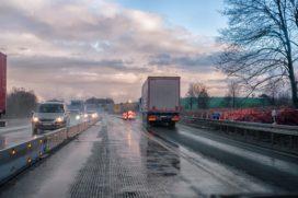 Geen rijverbod lege vrachtwagens bij code rood